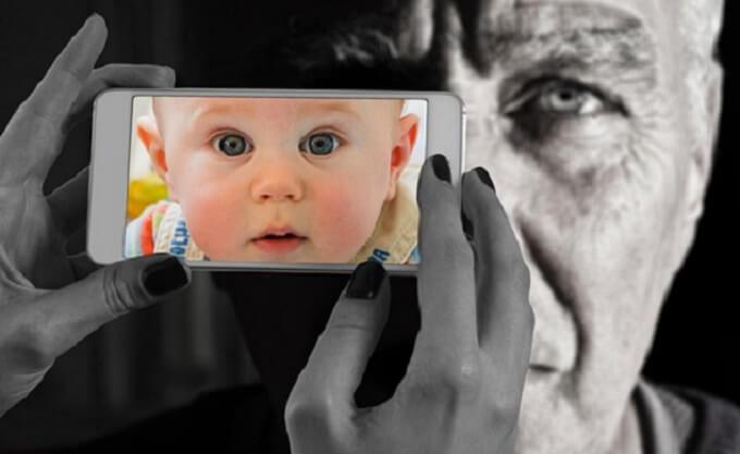 老人と赤ちゃん